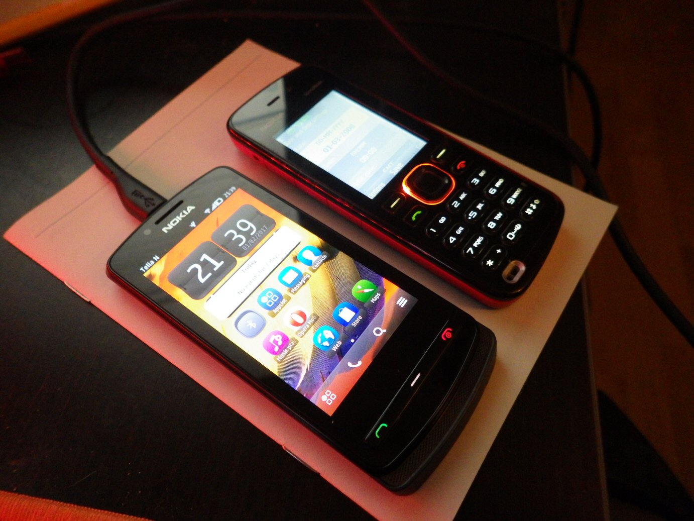 Nokia 700 and Xpress Music 5220